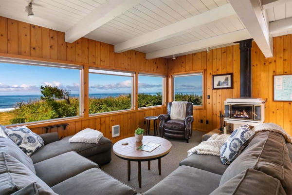 The Pilot House living room.