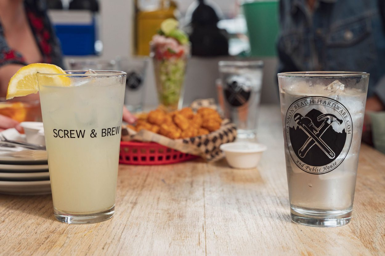 drinks at Screw and Brew